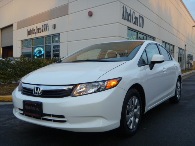 2012 HONDA CIVIC LX *Under Factory Warranty*