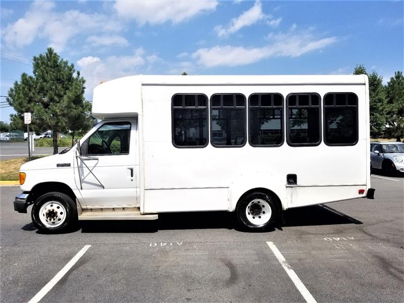 2006 FORD ECONOLINE COMMERCIAL CUTAWAY E350 SUPER DUTY PASSENGER BUS