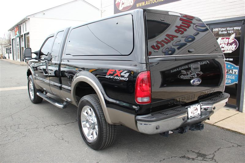 2006 FORD SUPER DUTY F-250 Lariat EXT-CAB 4X4