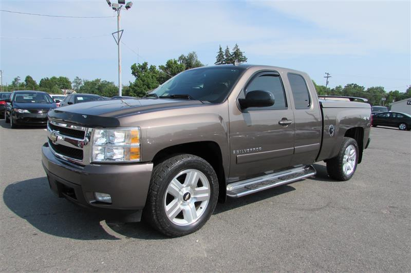 2007 CHEVROLET SILVERADO LTZ with Navigation