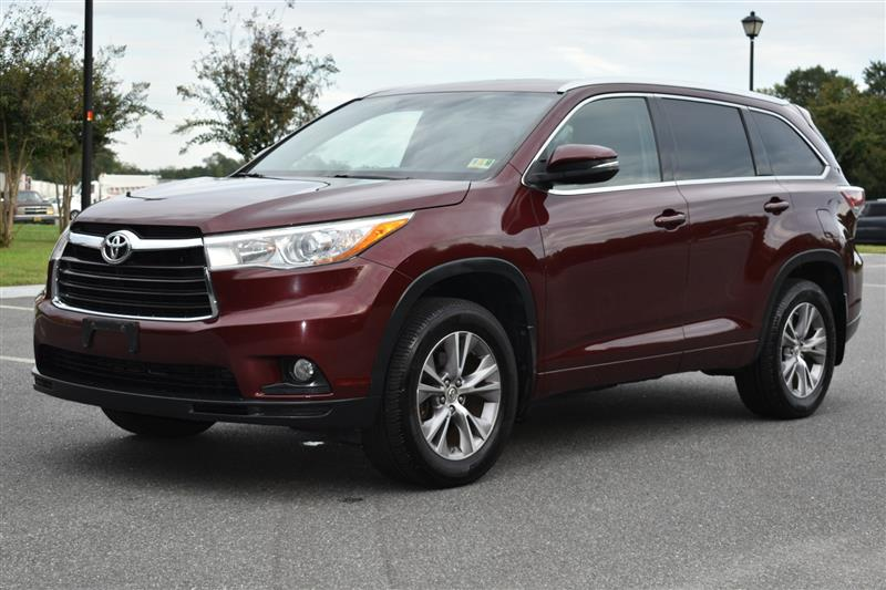 2015 TOYOTA HIGHLANDER XLE AWD with Navigation