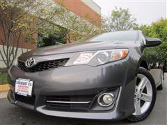 2014 TOYOTA CAMRY XLE - NAVIGATION - LEATHER