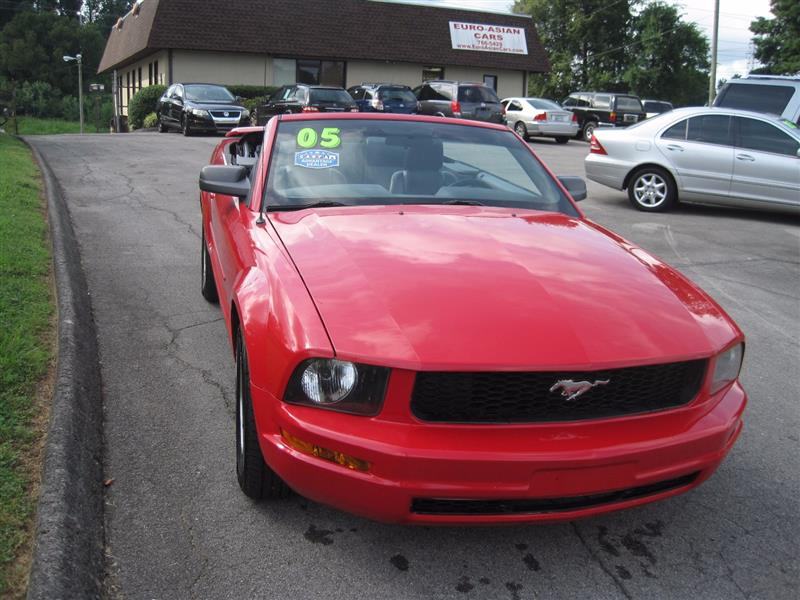 2005 FORD MUSTANG Deluxe/Premium