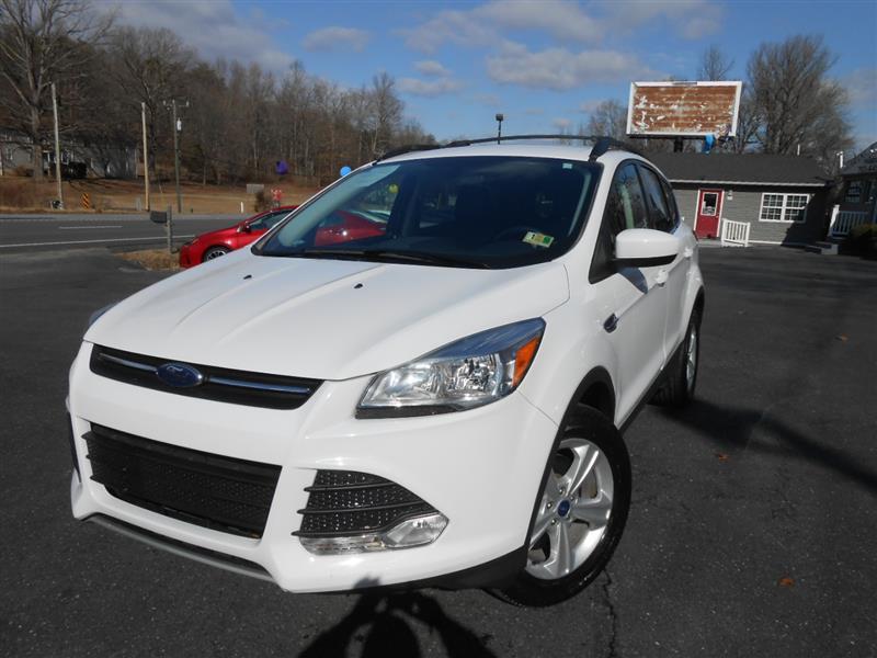 2015 FORD ESCAPE SE AWD w/ Navigation
