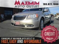 2016 CHRYSLER TOWN & COUNTRY Touring w Rear Entertainment System